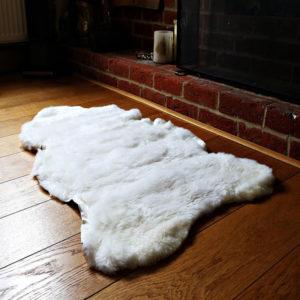 Strihaná biela ovčia kožušina - Single