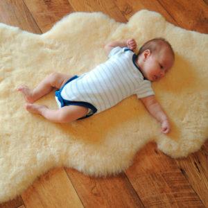 Baby Lammfell für Kinderwagen / Babybett