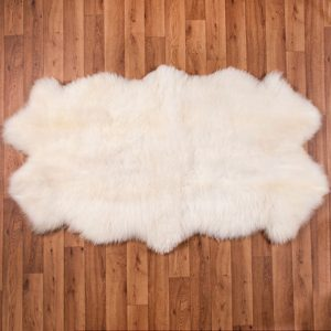 Biele ovčie kožušiny quattro